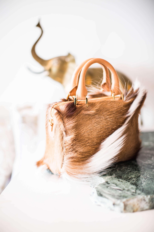 3e52d85a5e7 De geur van nieuw leer, de opwinding die je voelt als je de doos openmaakt  en het gevoel als je de handtas voor het eerst draagt: voor echte ...